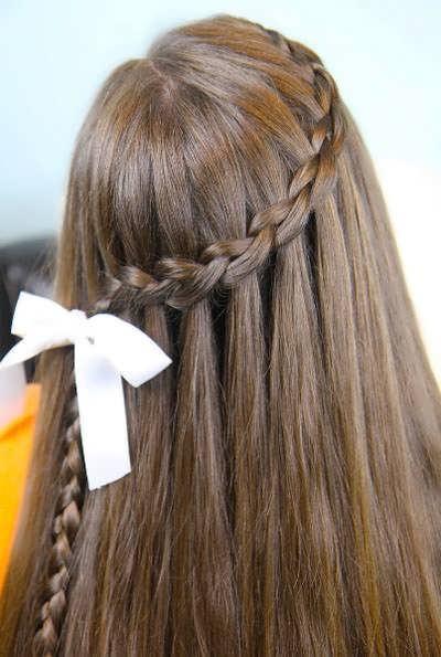 прически водопад на длинные волосы видео