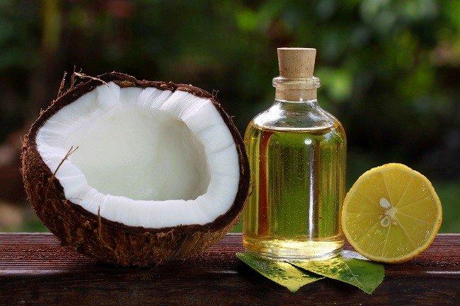 vozrozhdenie-brovej-i-resnic-s-pomoshchyu-kokosovogo-masla3