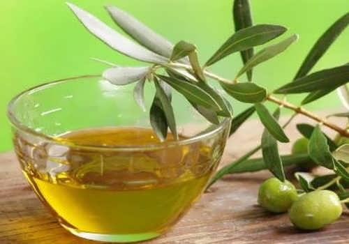Maska s ispolzovaniyem olivkovogo masla