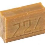 Применение и польза хозяйственного мыла для шевелюры