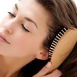 Как расчесать сильно запутанные волосы?