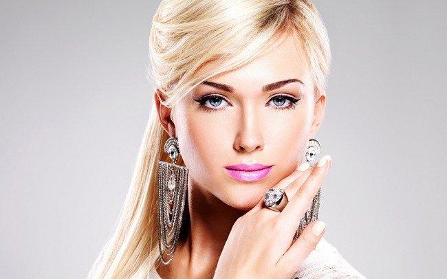 tatuazh-brovej-dlya-blondinok-vybor-metoda-cveta-i-formy6